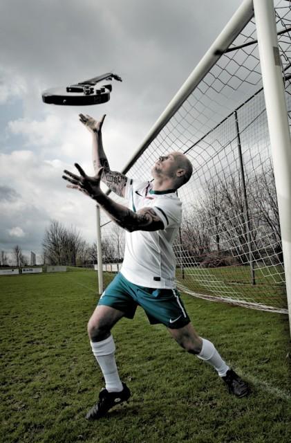 Scoren met muziek, Marco Roelofs als voetballende artiest, Sevenum 1-4-2010